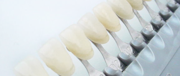 誰が見ても自分の歯にしか見えないセラミック治療